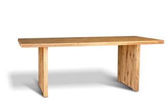 Wangen Esstisch aus Wildeiche mit rustikaler und urwüchsiger Oberfläche