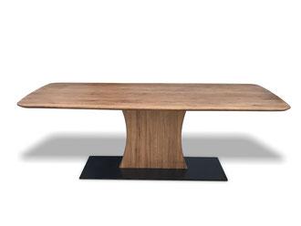 Detailbild Tischplatte Eiche mit Facettenkante
