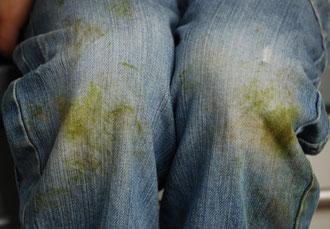 Hose mit grünen Flecken