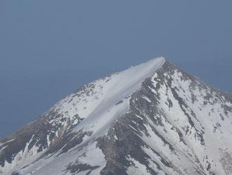 去年滑った常念岳北西斜面が見えた