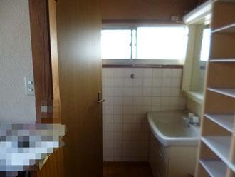 松戸市 水まわりトイレ 小便器取付リフォーム洗面台撤去前