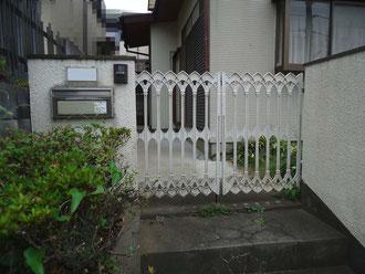 松戸市 外壁塗装リフォーム 門扉まわり塗装リフォーム前