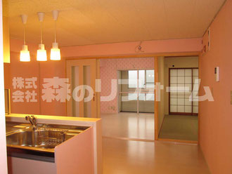 松戸市まるごとマンションリフォーム 洋室との間仕切りの引き戸を設置