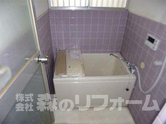 流山市アパートリフォーム バランス釜を撤去し追い炊き機能付の給湯器へ 浴槽を少し大きくしました