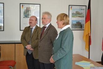 Michael Rossbach (Kultur-Refernt der Bundesrepublik Deutschland, Dr. Peter Schaller, Botschafter der Bundesrepublik Deutschland und Frau Anne Schulte-Hillen empfingen am 18. Oktober 2011 die DSD-1-Teilnehmer.