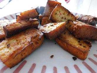 Goldbraun frittierter fermentierter Tofu (Paprika)