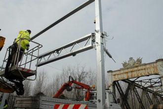 Si installano le barriere antiTir