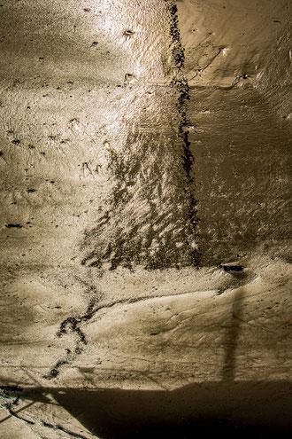 Plouguerneau reflet ombre bateau de plaisance à voile sable or