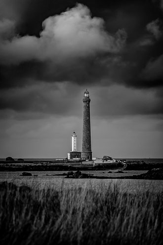 Plouguerneau phare Île Vierge noir & blanc orage
