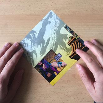 Schneide aus dem Papier Quadrate in der Größe deiner Wahl aus.