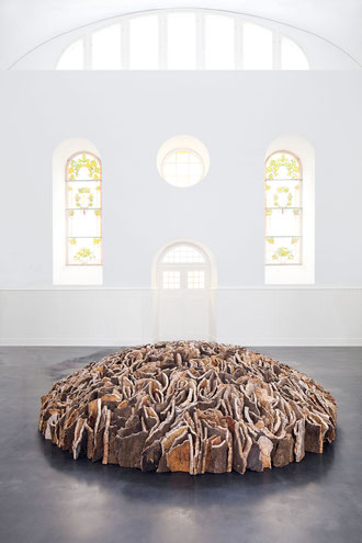 David Nash:  Weathered Cork Dome, 2015  verwitterter Kork