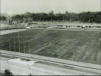 初代の駒場サッカー場