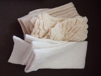 LD室で履こうと思っている、オーガニックコットン・シルク100パーセントのレッグウォーマー。足を温めるとお産が進みやすいと助産師さんに教わって。