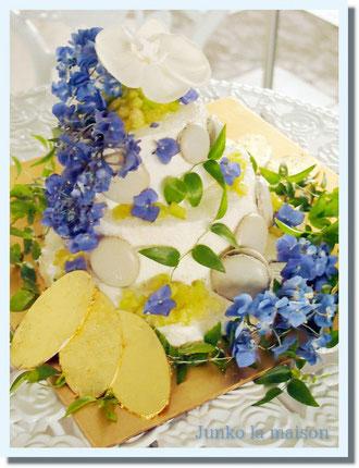 同じ6月生まれの旦那様と一緒に^^ 体調回復の反動もあってか、はりきって3段のメロンショートケーキを制作^^