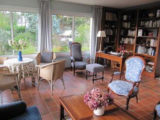 salon de la villa Les Bruyères à Carnac-Plage