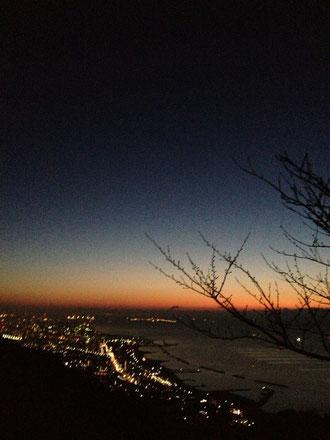 須磨浦の夜明けです。