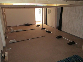 ここにベッドが四台並びます
