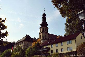 Kirche, Trebgast