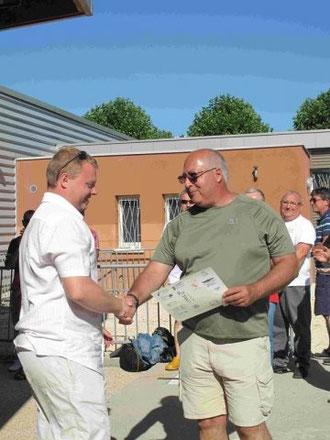 Un nouvel initiateur E1 pour le club de Migennes Subaquatique le 3 juillet 2011 à la piscine de Joigny organisé par le CODEP 89 et l'USJ Plongée