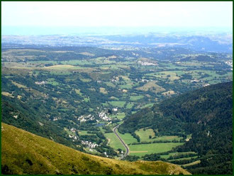 Lavaissière au pied du Plomb du Cantal