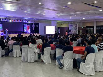 講演会には360名に聴講者が集まった