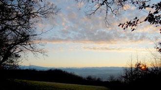 Vue sur les Pyrénées, coucher de soleil en décembre