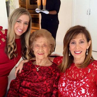Mrs. Herta Berken geb. Strauß mit ihrer Tochter Arlette Magin (re) und ihrer Enkelin Faith Magin 2015  in Miami