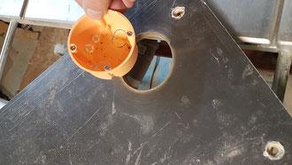 230V-Einbaudose für Stecker