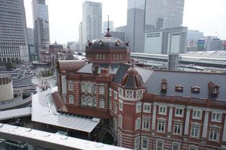 KITTEの屋上から。東京駅鑑賞の特等席