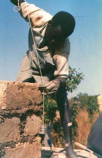 Auch Jean-Baptiste aus Yako baut mit an seiner Ackerbauschule