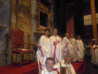 Gruppo di Senatores - In primo piano l'Avv. Raffaele Palermo; in prima fila (seduto) il decano: Avv. Emanuele Cascino. In alto l'Avv. Ones Benintende e l'Avv. Timpanaro.