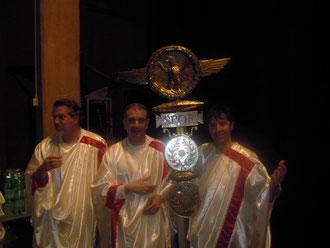 Tre senatori (da sinistra: Avvocati Raffaele Palermo, Salvatore Timpanaro e Ones Benintende)