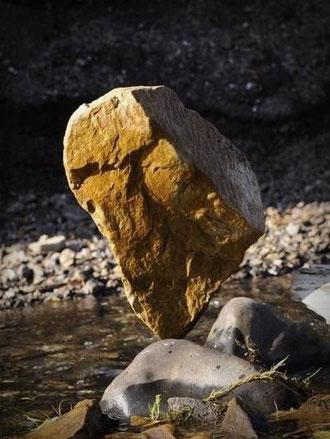 balancierte Steine, Steinbalance, Naturkunst, Landart, Steinkunst  -  www.andavid.de - von Andreas David