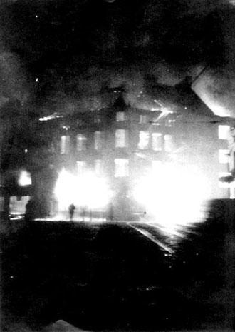 Explosion während des 2. Weltkriegs in Mülheim.