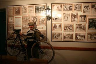vélo et tenue d'époque 1910