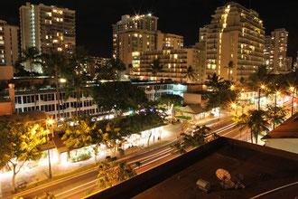 Waikiki bei Nacht