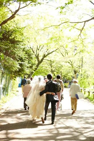 ふたりで歩く、ずっと長く続く幸せな結婚生活の道のりの第一歩を飾る花たちを、ひとつひとつ心をこめてお作り致します。