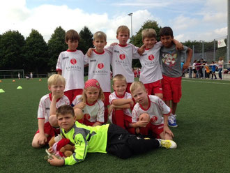 von hinten links: Oskar, Konstantin, Levin, Jonas, Iliyas. vorne links: Ole, Pauline, Nils, Paul und Max.