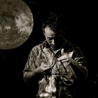 Kenji Yoshihura:Percussion, fx