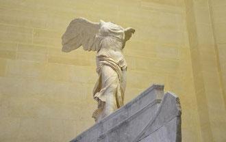 Paris Louvre Kunstwerke - Nike Samothraki