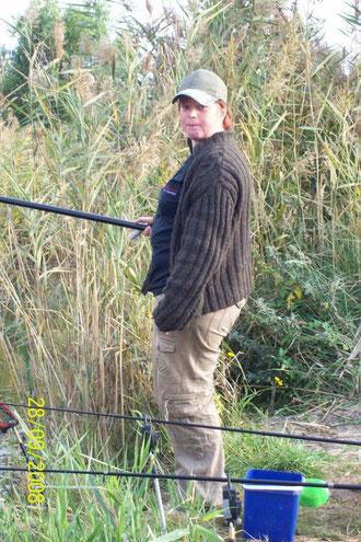 Isa beim Köderfische angeln
