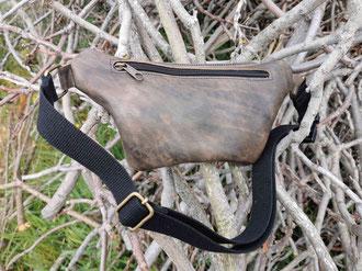 marsupio in pelle vintage