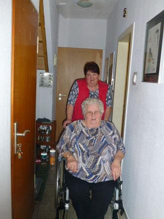 Gunda und Oma Hilde