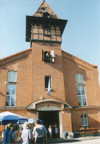 """""""Die Zunfthalle am Ochsenhof bei der Einweihung im Jahre 2002"""