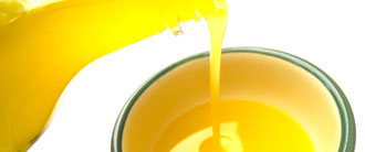Frisches extra natives Olivenöl aus Evia-Griechenland