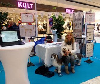 Tierarzt Häbich bei den Hundstagen im Huma eleven; Impfen - Kastrieren - Entwurmen - EU-Ausweis & Reisen mit Hund im Vordergrund