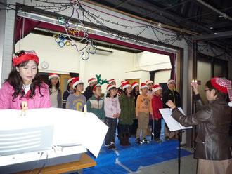 星田山手唱歌の会の熱唱