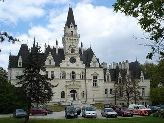 Schloss Budmerice