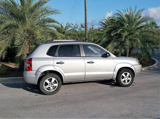 Hyundai-Tucson-urlaub-curacao-villa-ferienhaus-pool-karibik