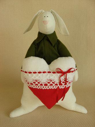 Кролик Валентин.